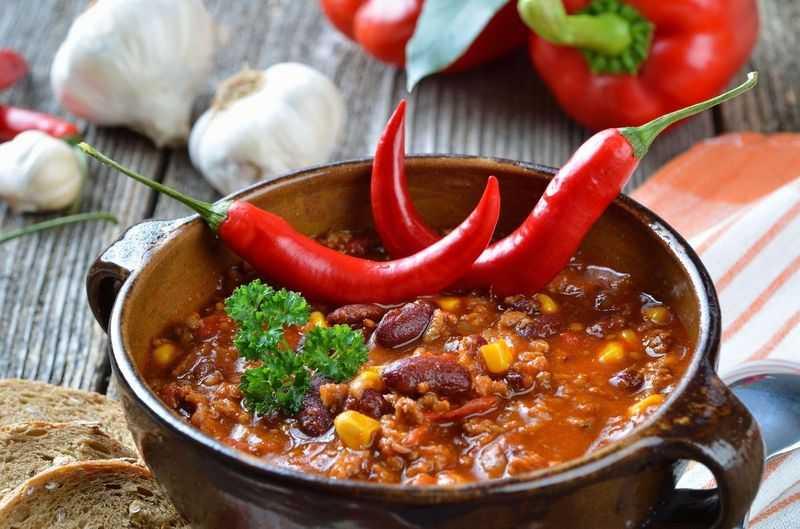 مصرف غذاهای تند از علل سوزش سردل