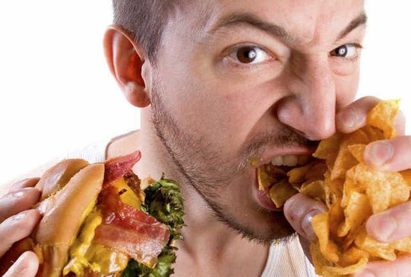 مصرف غذاهای چرب از علل سوزش سردل