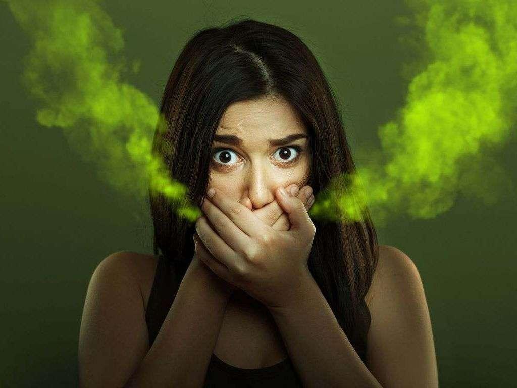 بوی بد دهان ناشی از مشکلات گوارشی